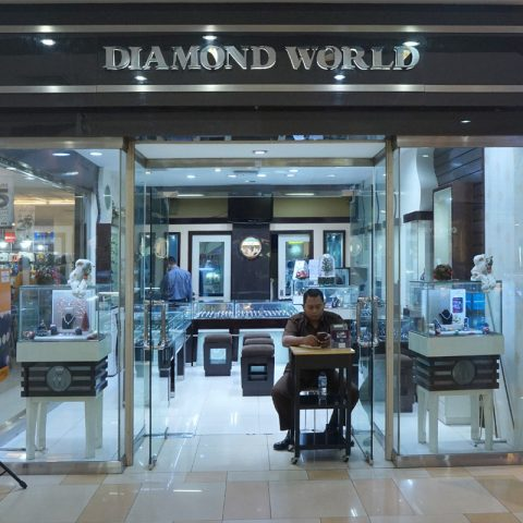 Diamond World Jewellery | Mal Ciputra Semarang